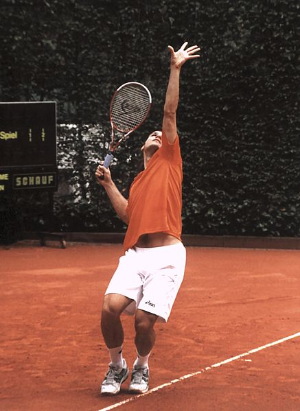 437px-Tommy_Haas_serves